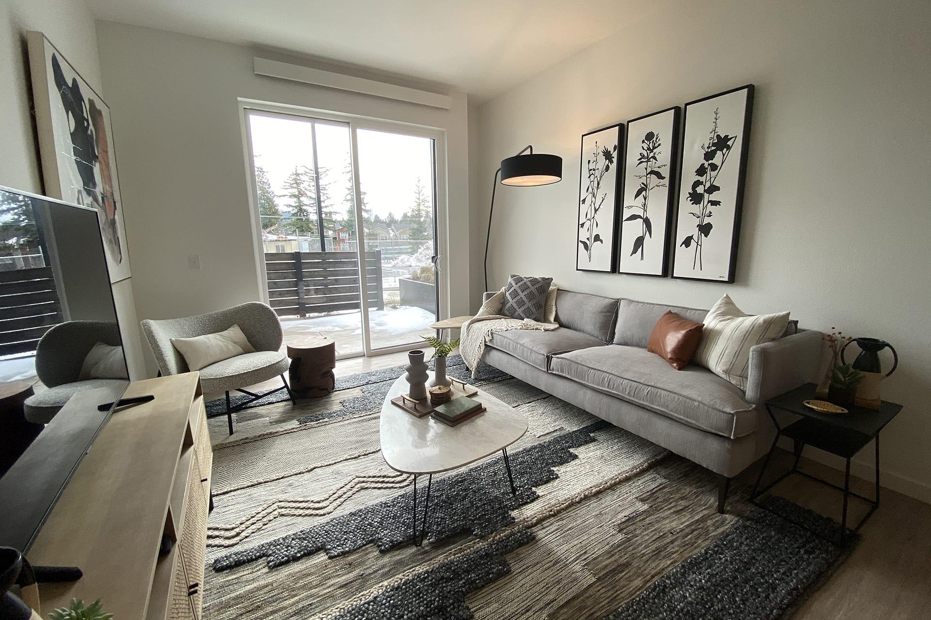 128_livingroom-balconey