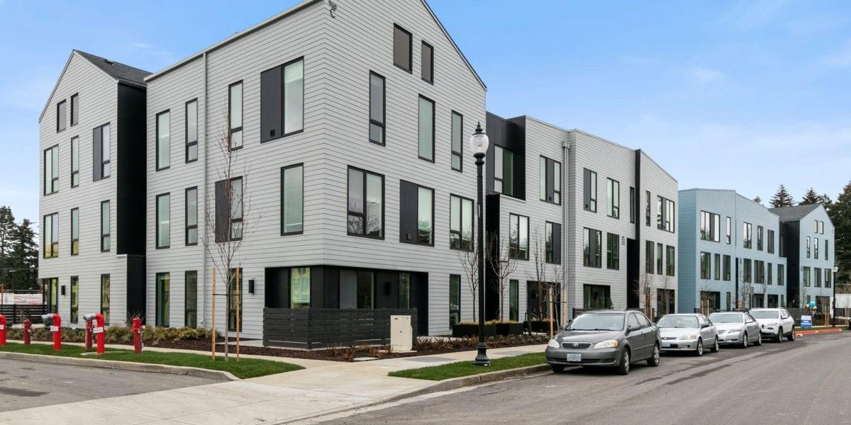 Alta Civic Station apartments near Portland